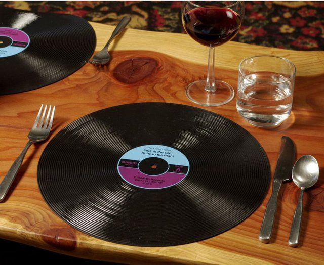 un set de table disque vinyle vinyles vieux disques. Black Bedroom Furniture Sets. Home Design Ideas