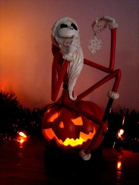 NIGHTMARE BEFORE CHRISTMAS  SANTA JACK ON PUMPKIN  | the Nightmare Before Christmas Collectionary
