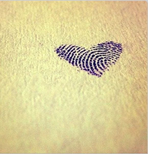 Great idea❤ wanna get this with my and my moms fingerprint