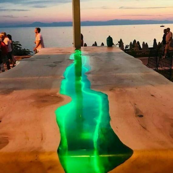 LED LINE epoxy resin table