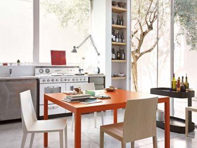 LEMA | Simple, yet versatile: Sosia table designed by Vittorio Prato.
