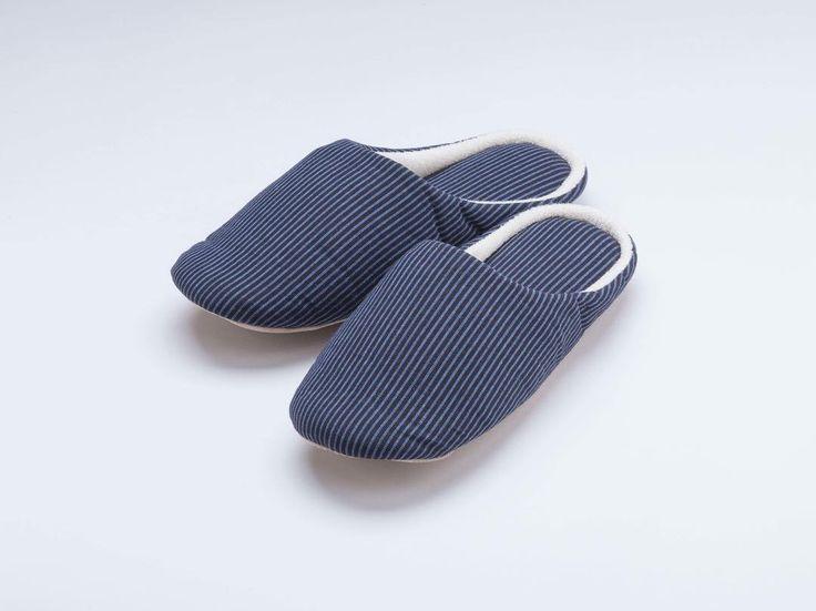 つむぐスリッパ J-2 2200円税 http://ift.tt/2EZQeL2  #スリッパ #遠州綿紬 #つむぐ #飴 #巾着 #お土産 #木綿 #縞 #hamamatsu #shizuoka #gift #stripes #fabric #cotton #slippers