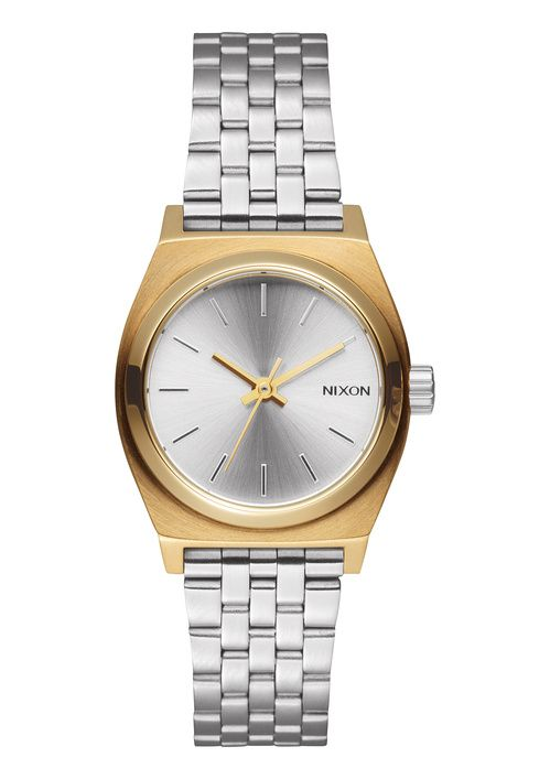 "La montre ""mixed message"" de Nixon en or et acier montre 2015 http://www.vogue.fr/joaillerie/le-bijou-du-jour/diaporama/la-montre-mixed-message-de-nixon/21596#la-montre-mixed-messages-de-nixon-4"