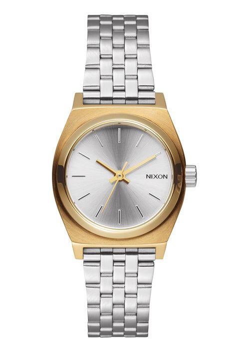 """La montre """"mixed message"""" de Nixon en or et acier montre 2015 http://www.vogue.fr/joaillerie/le-bijou-du-jour/diaporama/la-montre-mixed-message-de-nixon/21596#la-montre-mixed-messages-de-nixon-4"""