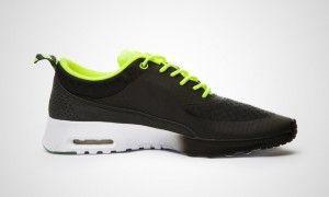 Nike Air Max Thea Woven QS Damskor svart/vita