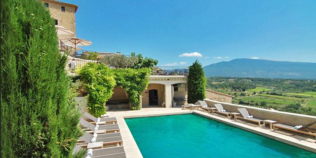 Hotel Crillon le Brave, a hilltop village hotel with views across #Provence #France #swimmingpool