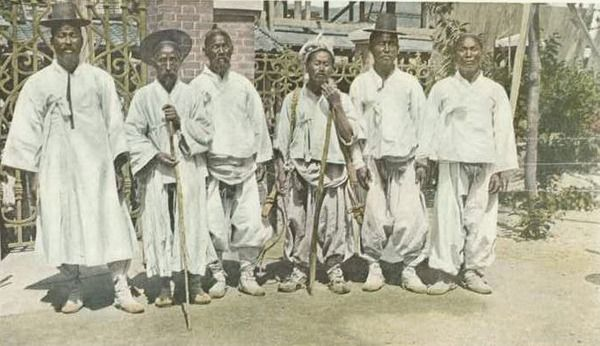 1910년의 조선 William W. Champin저 'Glimpses Of Korea And China'에 게재된 사진보다 the photos of korean people around 1910