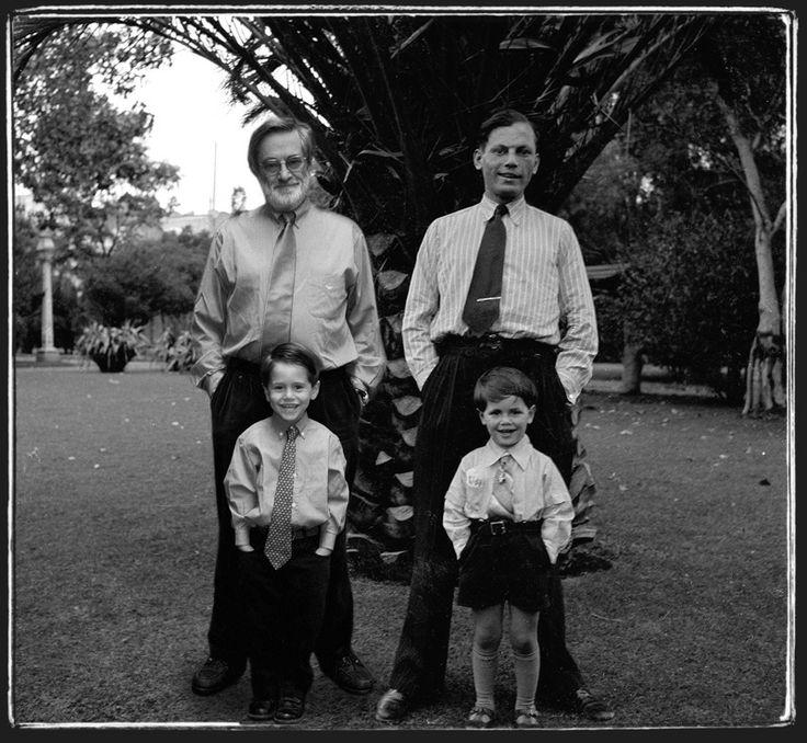 """""""Los Meyer"""" - 1940/200 - Distrito Federal, Mexico - Negativo b/n, 6x6cm y original digital  - Imagen modificada digitalmente - Derechos reservados de todo el Web Site © Copyright 2008 Pedro Meyer"""