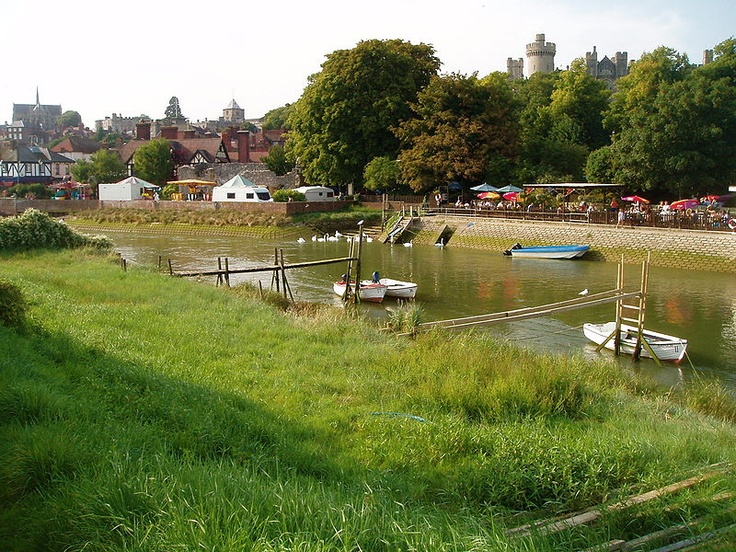 File:Arundel, West Sussex - River Arun.jpg