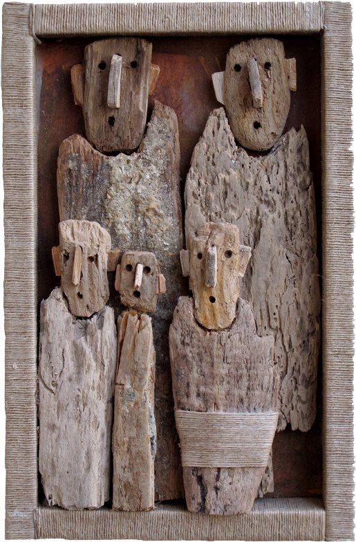 Marc Bourlier crée des assemblages de bois trouvés.