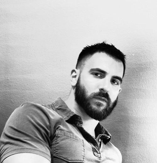 Beards Dragons, Beardy Face, Shorts Hair And Beards, Buff Beards, Beards Bears, Hot Beards, Beards Pride, Dark Beards, Hairy Beards