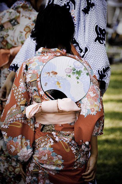 "On summer,#Japan, especially at traditional summer festival called "" #Matsuri "", many wear the "" #Yukata "".日本,浴衣"