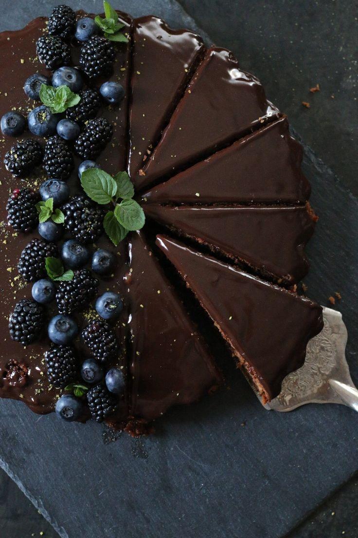 Es geht um Kuchen – einen extrem leckeren Schokoladenkuchen! Ziemlich genau d …   – Essen und Trinken