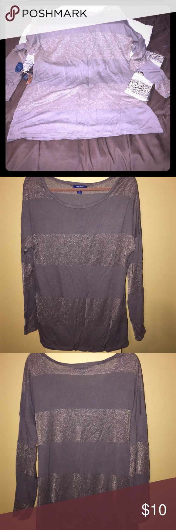 Old navy brown bronze shimmer top Cute Old navy brown bronze shimmer top.               Size (L). Nice trendy top. Worn a couple times but overall in great condition.🤗 Old Navy Tops Blouses