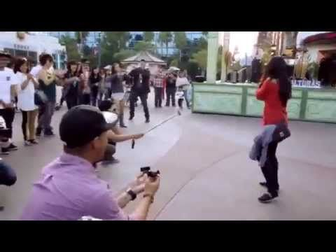 I THINK I WANNA MARRY YOU Flash Mob - this video made me smile like an idiot, that doesn't happen often