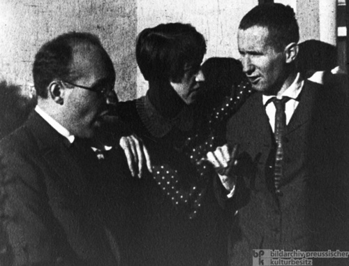 The life and work of bertolt brecht a german playwright
