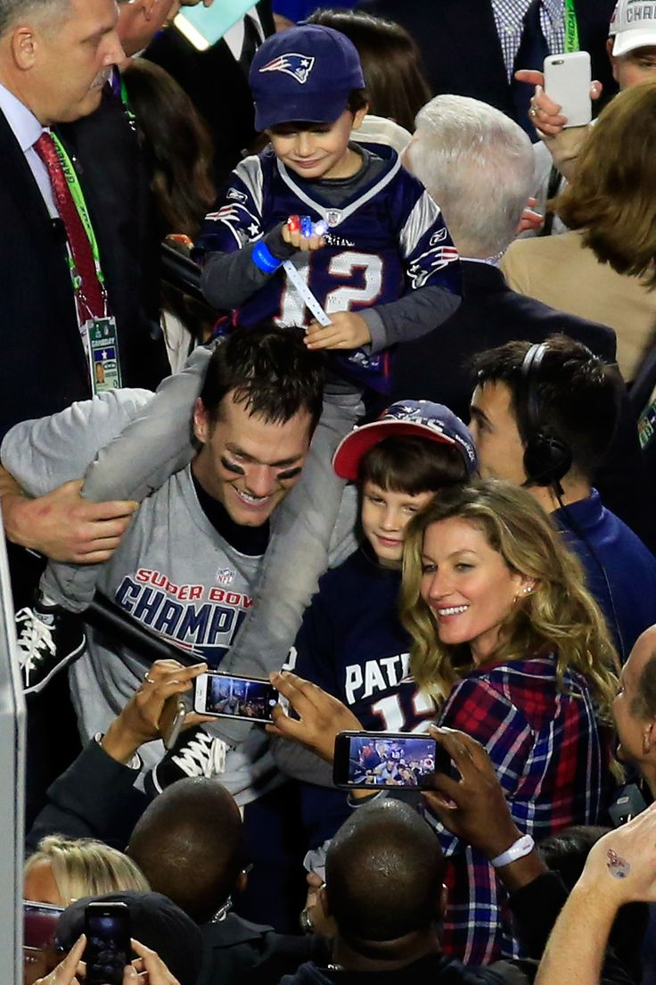 It was a storybook ending to the 2014 season for Tom Brady and the Patriots, and his family was on hand to celebrate after the Pats' Super Bowl win in Phoenix.