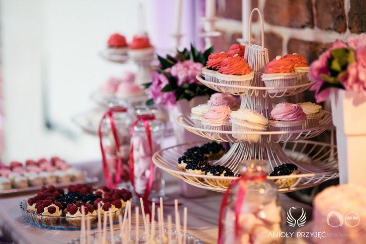 23. Fuchsia Wedding,Sweets,Sweet table decor / Wesele fuksjowe,Słodkości,Dekoracje słodkiego stołu,Anioły Przyjęć
