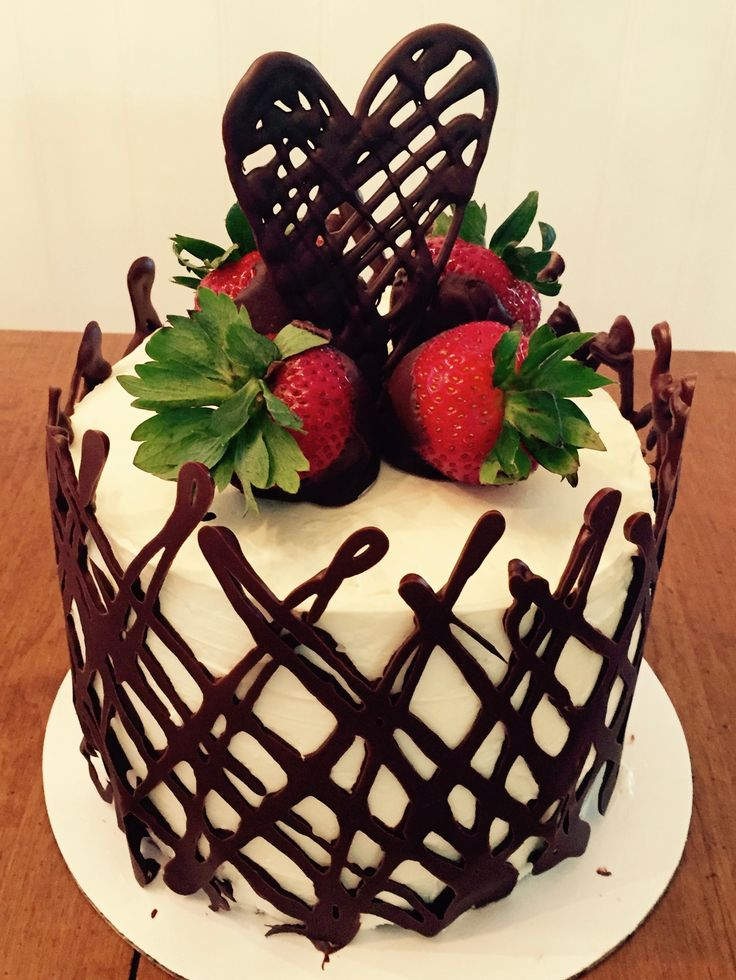 MollyCakes: Chocolate raspberry cake with a chocolate cage