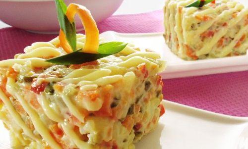 Indiferent de sarbatoare, salata de boeuf este unul dintre preparatele care nu lipseste niciodata de pe mesele festive ale romanilor.