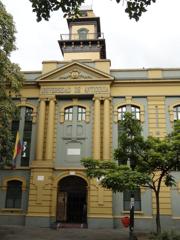 Universidad Antioquia. Si tu #DestinoFavorito es #Medellin visitanos en www.easyfly.com.co/Vuelos/Tiquetes/vuelos-desde-medellin