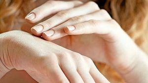 Ako sa zbaviť stareckých škvŕn na rukách? Vyskúšajte tento jednoduchý a dostupný trik.   Casprezeny.sk