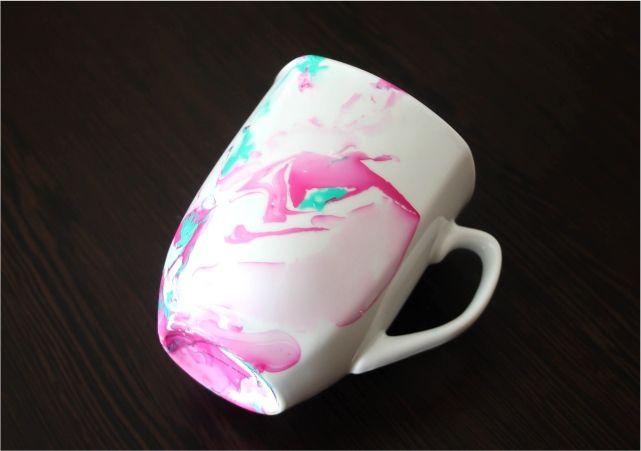 DIY Watercolour Coffee Mugs #DIY #lblogger #lifestyleblogger #lifestyleblog #crafts #DIYblogger #watercolormugs #DIYmugs #mug