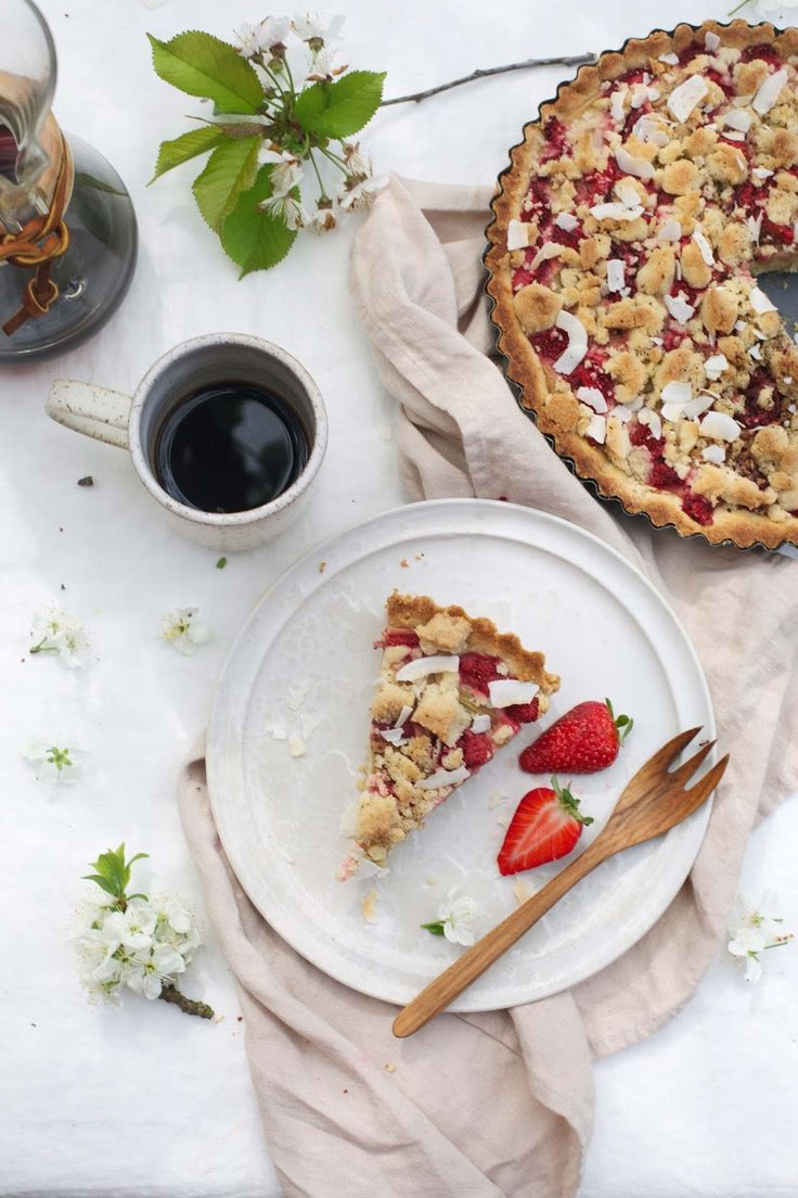our food stories: glutenfree rhubarb-strawberry tart with almond pudding and licorice powder