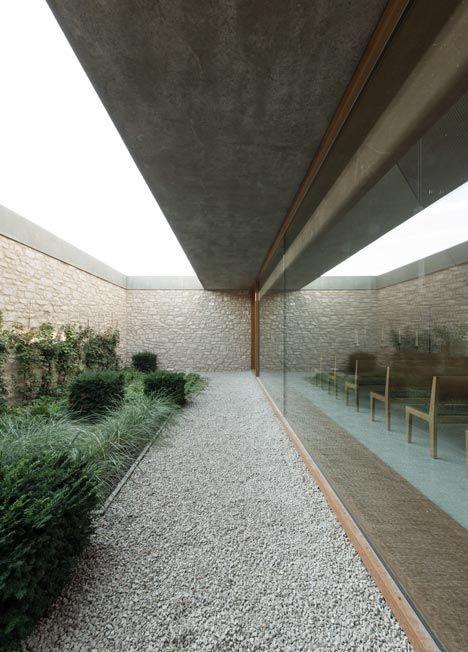 funeral chapel - ingelheim am rhein - bayer + strobel + jbbug landschaftsarchitekten - 2012