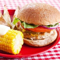 Made from the highest-quality light and dark turkey. Take avacation fromyour beef burgers with a healthier choice! 94% Fat Free Free-Range Antibiotics never administered  1lb of burger (4 patties) per pack   10 packs per case