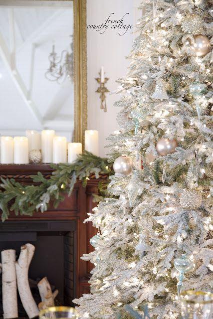 319 best Déco de fête  Noël images on Pinterest Christmas decor