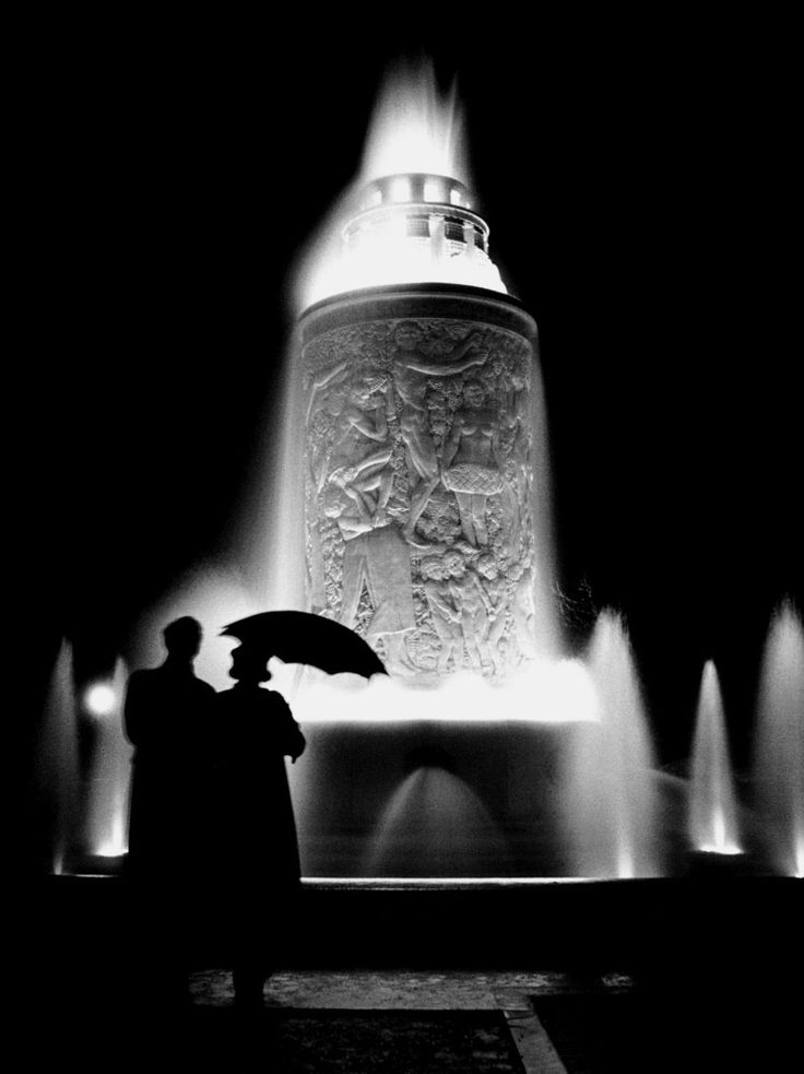 Fountain, Paris, 1935  by Fred Stein