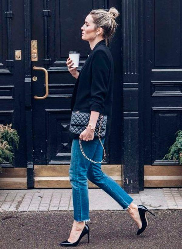 O scarpin clássico, deixa qualquer look chic. Aposte na combinação de jeans e blazer.
