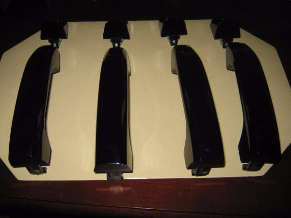 2015 GMC Yucon Gloss Black Door Handels (Fresno) $95