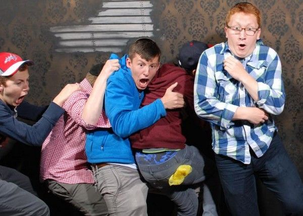 31 Pictures of People Freaking Out in a Haunted House: 2013 Edition