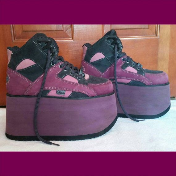Hey, I found this really awesome Etsy listing at https://www.etsy.com/listing/216247868/vtg-90s-purple-fuchsia-pink-11cm-buffalo
