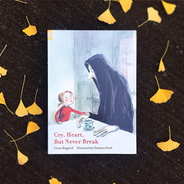 I've mentioned in previous posts, that I adore and appreciate children's books that give life to those emotions that can be difficult to deal with/recognise/talk about, or those that awaken our fears, books such as Mr Huff or The Dark. This is one of those #mustread books. .  Cry, Heart, but Never Break, by Glenn Ringtved and Charlotte Pardi, looks at Death. Capital D, because you can see from the book's cover in our pic that Death is personified, and has come to visit a household. Four…