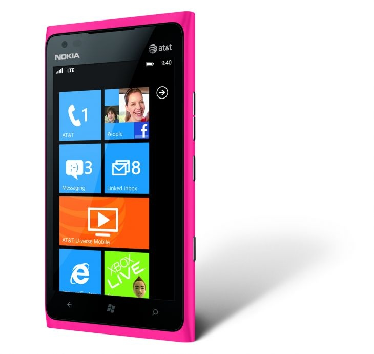 Nokia Lumia 900 looks hot this summer in pink