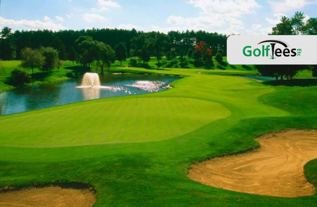 The largest golfing green is that of the 695-yard, 5th hole, and a par 6 at the International Golf Club in Massachusetts, with an area in excess of 28,000 square feet.