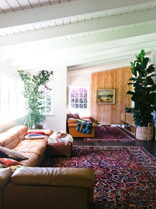 : Idea, Leather Couch, Living Rooms Design, Interiors Design, Bohemian Living, Santa Monica, Plants, Rugs, White Wall