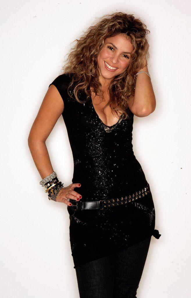 Hot Shakira Pictures   POPSUGAR Celebrity Photo 22
