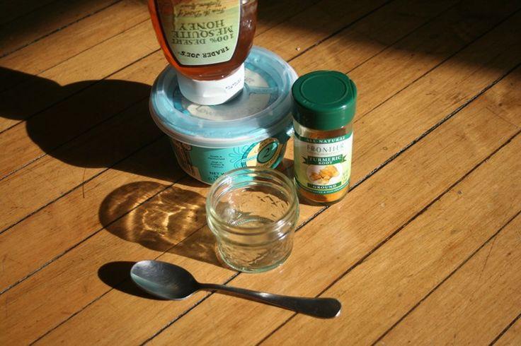 Ingrédients de recette masque au curcuma