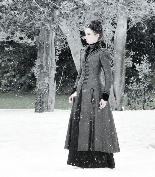 "Eva Green on the Set of ""Penny Dreadful"" season 2"