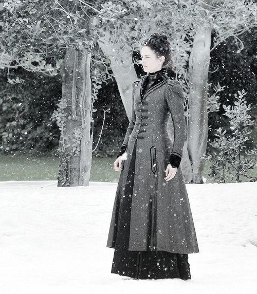 "Eva Green on the Set of ""Penny Dreadful"" season 2"