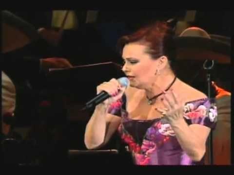 Rocio Durcal En Concierto Inolvidable 2002 - YouTube