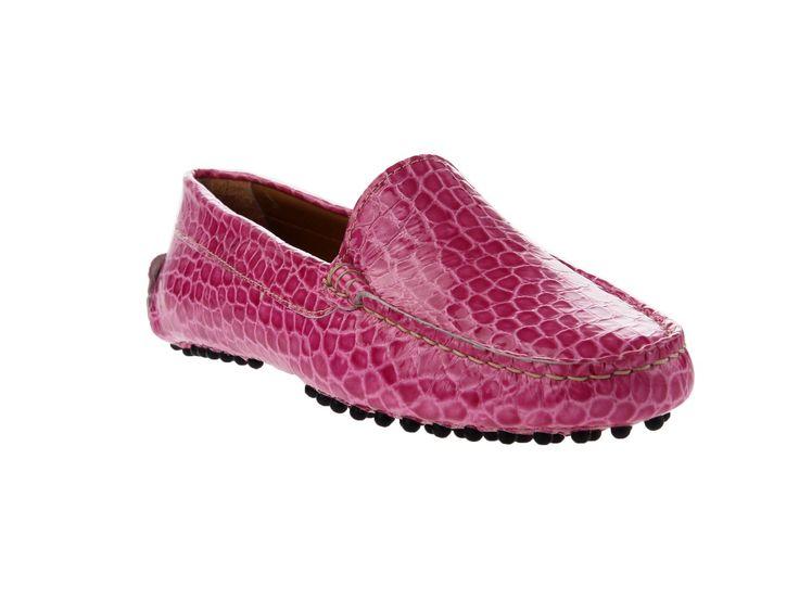 Ahora para chica, que os parecen estos mocasines de Bruno Magli? Hechos a mano, teniamos una duda, donde los ponemos en la seccion de zapatos o de guantes?