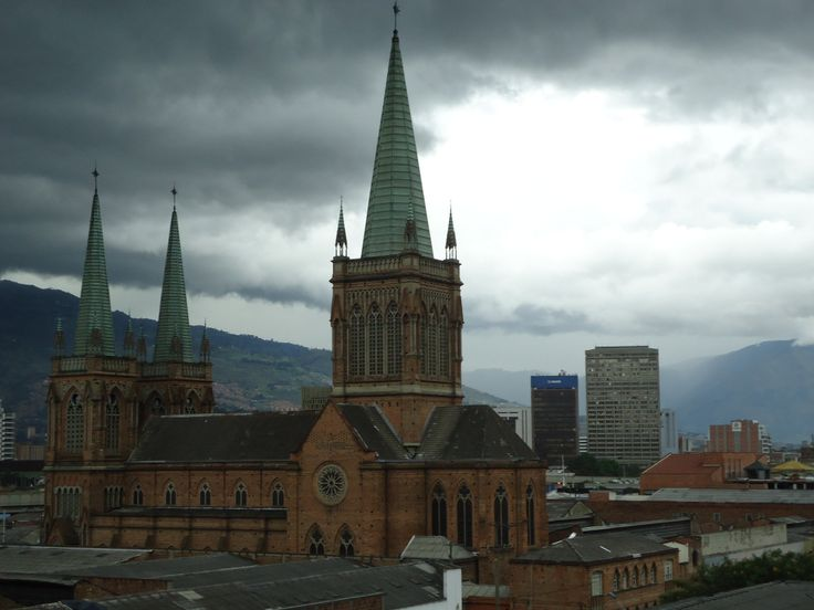 Iglesia Nuestra Señora del Perpetuo Socorro - Medellin