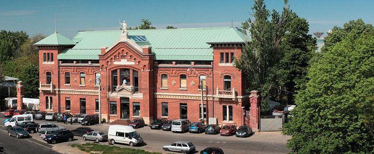 Expoziția de fotografie și enciclopedia on-line 'Un secol de arhitectură românească' - http://herald.ro/evenimente/arte-vizuale/expozitia-de-fotografie-si-enciclopedia-on-line-un-secol-de-arhitectura-romaneasca/
