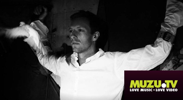 """You can watch the official musicvideo to Coldplay's latest song """"Magic"""" on MUZU.ZV http://www.muzu.tv/coldplay/magic-music-video/2200136/"""