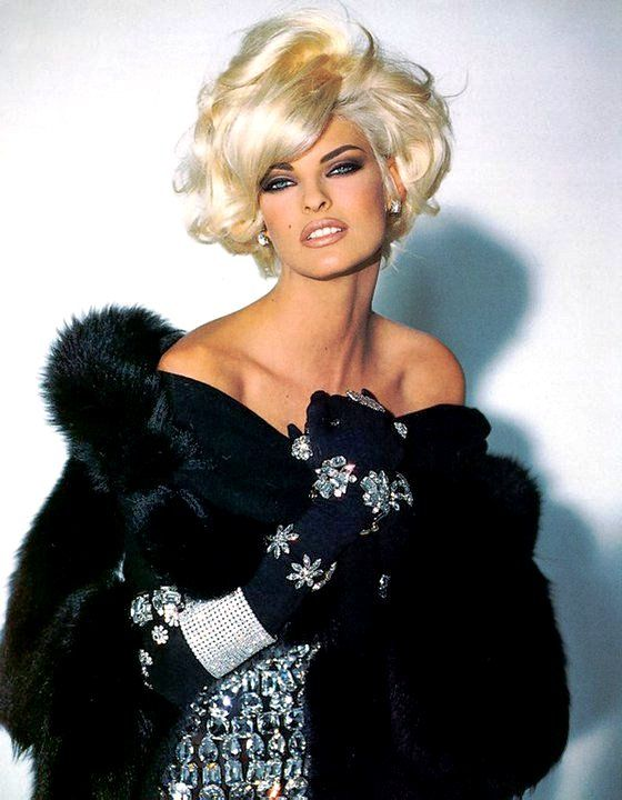 Im kind of obsessed with 90s hair and makeup right now...Linda Evangelista